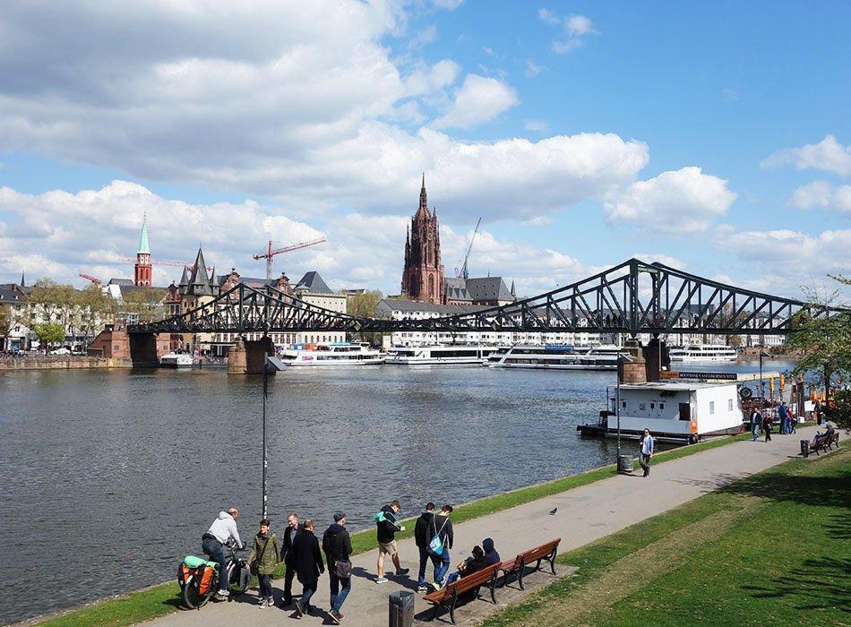 JGA Schwanger Frankfurt Mädels Wochenende Stadt 1