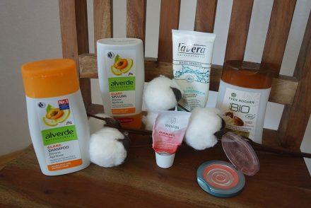 naturkosmetik im test gesichtscreme von weleda,rouge von alterra, bio yves rocher, alverde shampoo, lavera reinigung ekulele