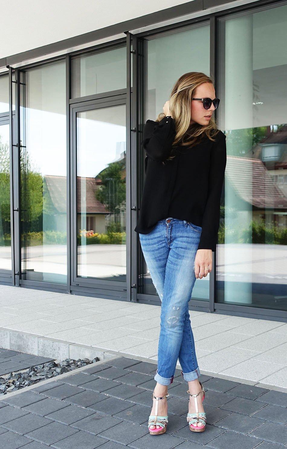 Ganz und zu Extrem Schwarze Bluse und Boyfriend Jeans ekulele fashionblogger mango #KD_51