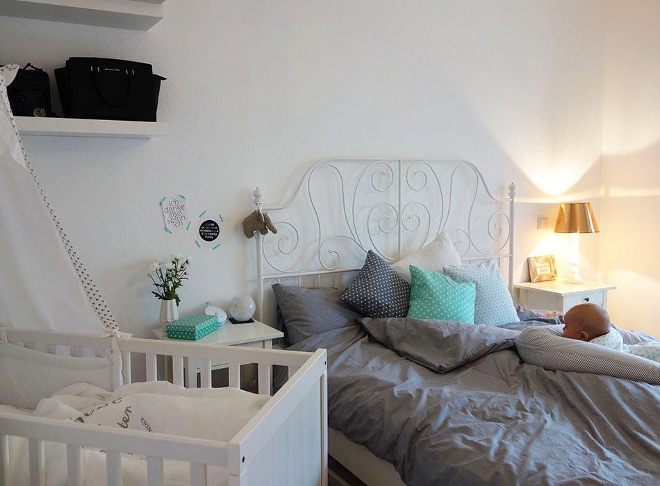 unser neues schlafzimmer in grau wei t rkis und kupfer ekulele familienleben rezepte. Black Bedroom Furniture Sets. Home Design Ideas