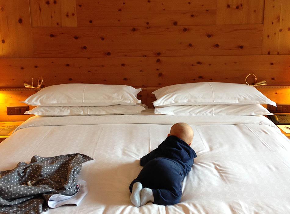 kurzurlaub davos, winterurlaub mit baby, schneeanzug fuer babys, ekulele, mamablog, reisen mit kind, kurztrip, wochenendurlaub, schweiz, davos (3)