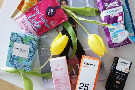 Beautypress News Box April, ekulele, kosmetik im test, weleda mandel handcreme, tetesept badesalz, natural spray, DD Cream, Sonnenschutz Daylong, Bikini rasierer (1)