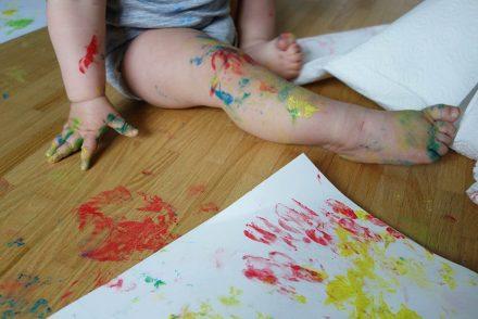 Fingerfarbe im Test, Malen mit Baby, Basteln mit Kind, Farbchaos, ekulele, mamablog