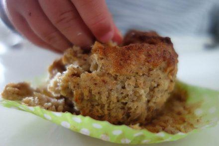 Gesunde Muffins für Kleinkinder - ohne Zucker, mit Gemüse, baby let weaning, fingerfood baby, breifrei, vegane zucchini muffins, ekulele, ekulelefood (1)
