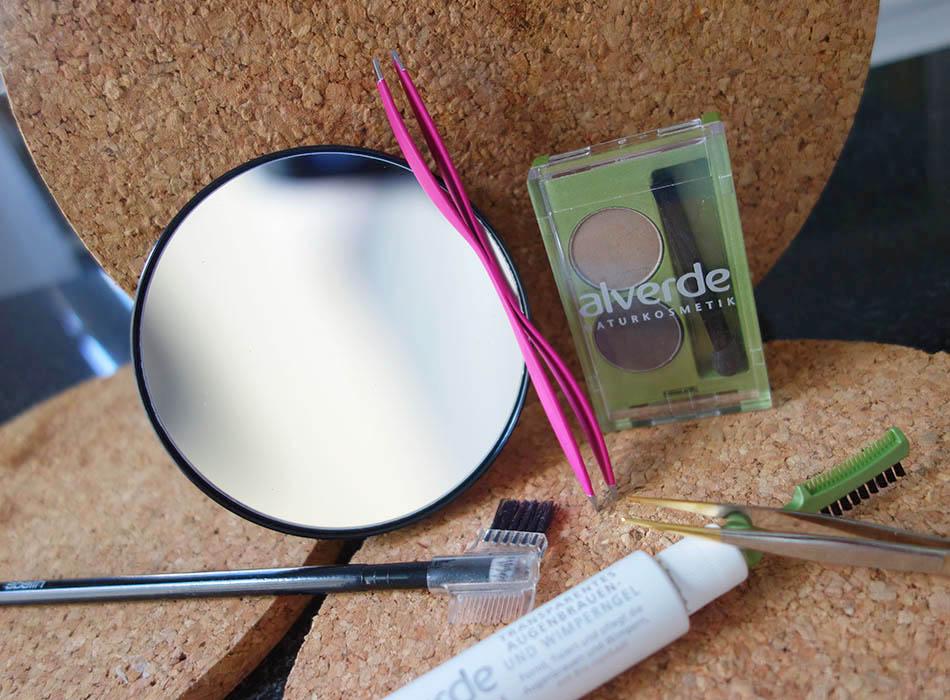 Perfekte Augenbrauen mit Parsa Beauty und alverde, vergroesserungsspiegel, spitze pinzentte, beautyblog, puder fuer augen (1)