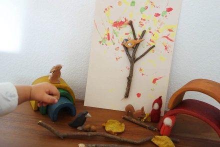 Basteln im Herbst  Interessenorientiert Basteln mit Kleinkindern, ekulele, ausflug, wald, spaziergang mit kind, suchen und finden, mama talk (6)