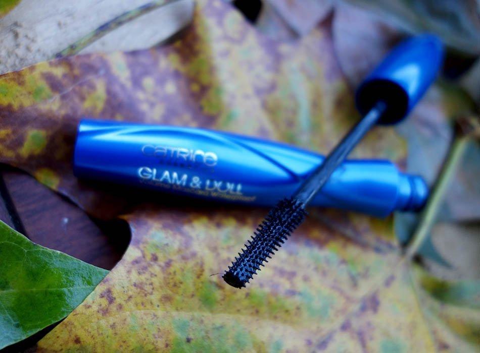 kosmetik-fuer-den-herbst-ekulele-regenerations-weleda-natur-shampoo-lavera-shampoo-fusscreme-schoen-lippen-pflege-winter-5