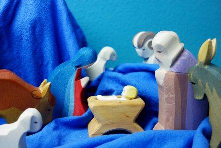 weihnachtsgruesse-an-euch-und-ein-paar-gedanken-ekulele-xmas-karte-krippe-waldorf-ostheimer
