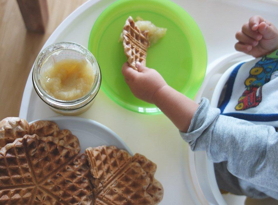 gesunde waffeln, ekulelefood, vegetarisch, mittagessen, zutisch, gesund, lecker, einfach, familie, mamablog, instamom, mama und kind, schmeckt