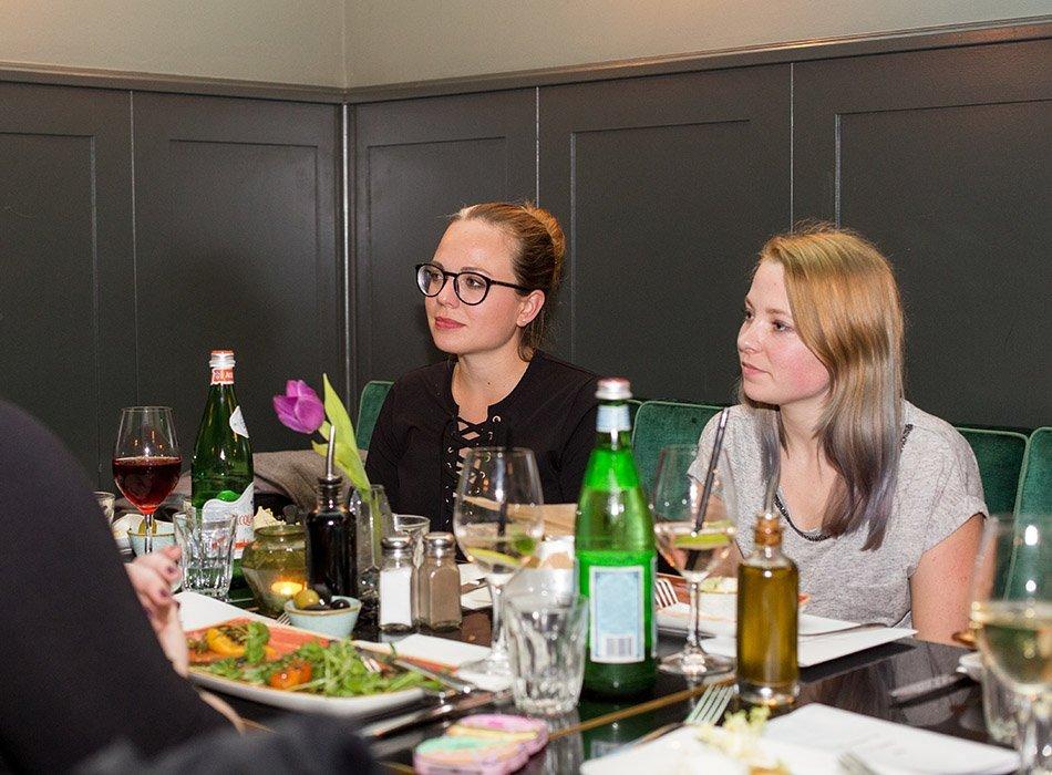 Blumenpracht, Konfetti und 79 neue alverde Produkte - Blogger Event in München, naturkosmetik, lippenstift, matt, mat, make up, foundation, beautyblog, neuheiten, dm, drogerie (2)