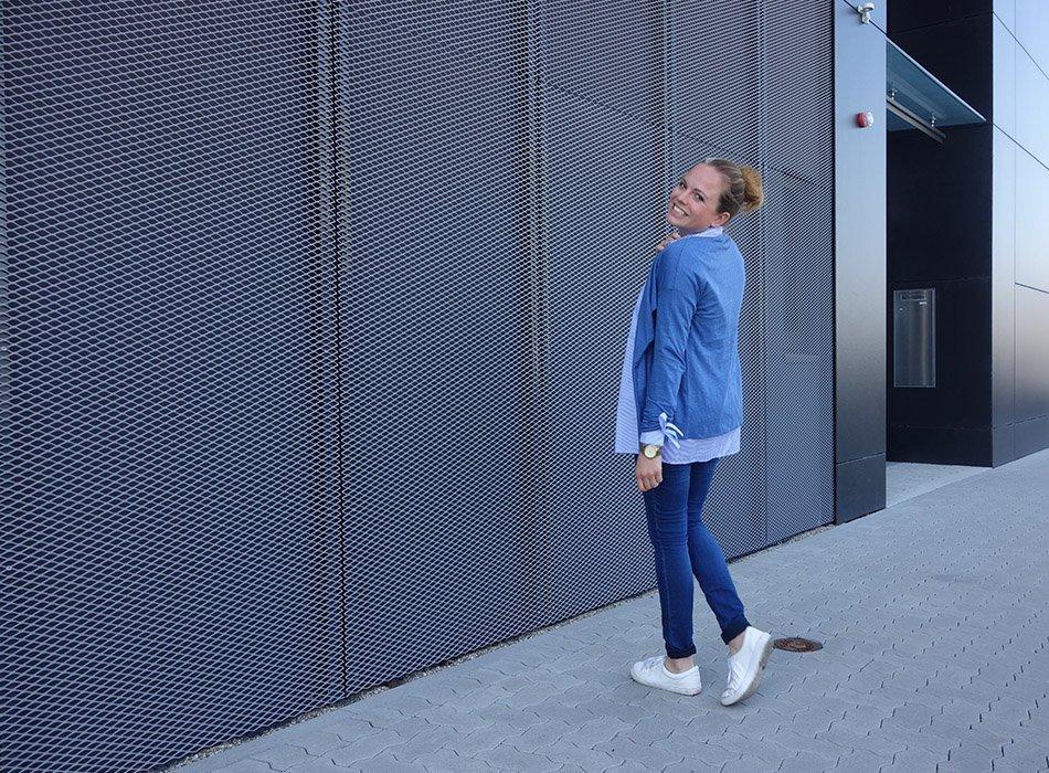 schwanger, augustmama2017, umstandsmode, fashionblog, asos, style the bump, frauke, karlsruhe, maas, bio cardigan, bluse mit schleifen, streifen, blau und weiß, sommerlook