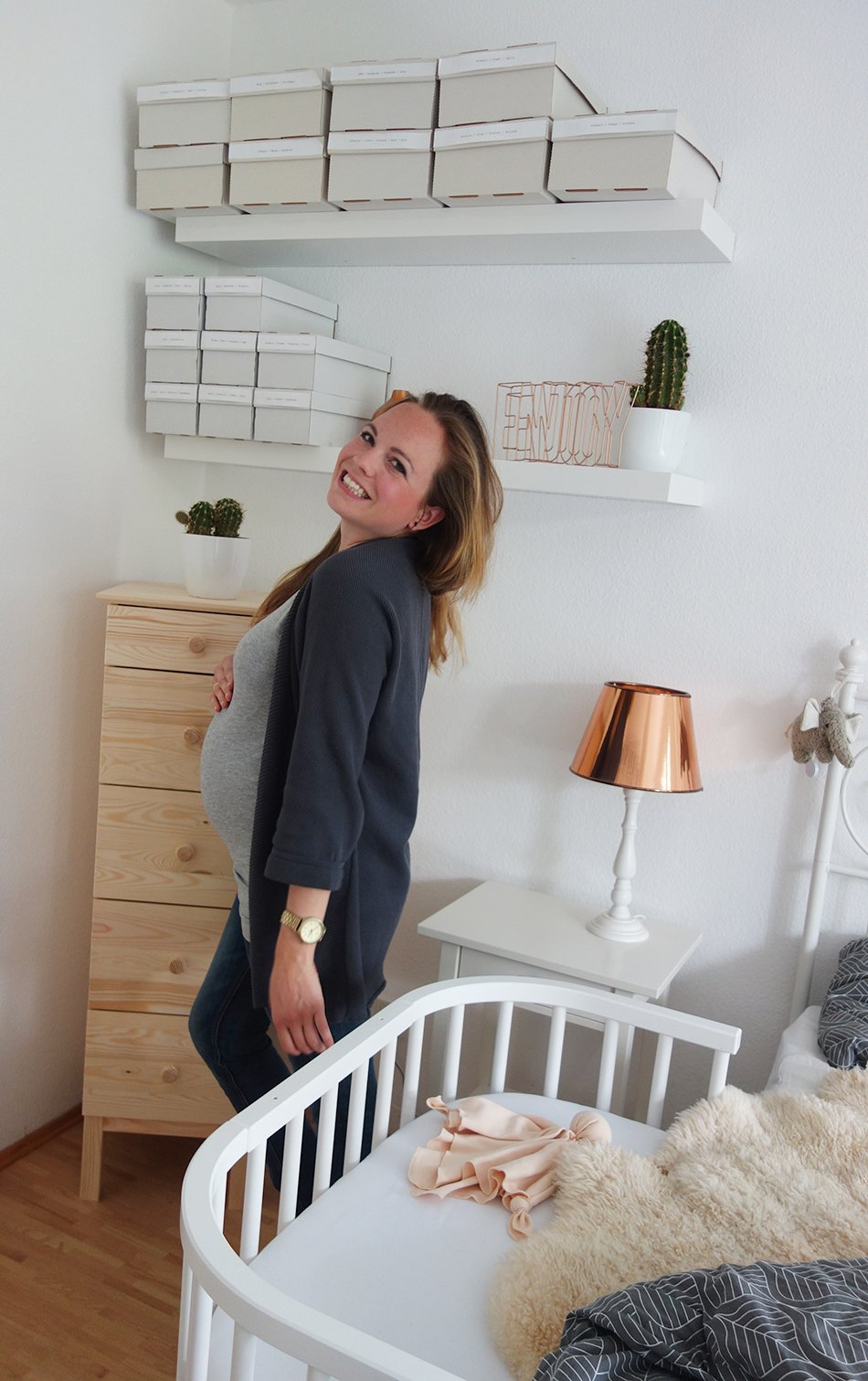 23 wochen schwanger babybett erdbeeren und plazenta ekulele familienleben rezepte mode. Black Bedroom Furniture Sets. Home Design Ideas