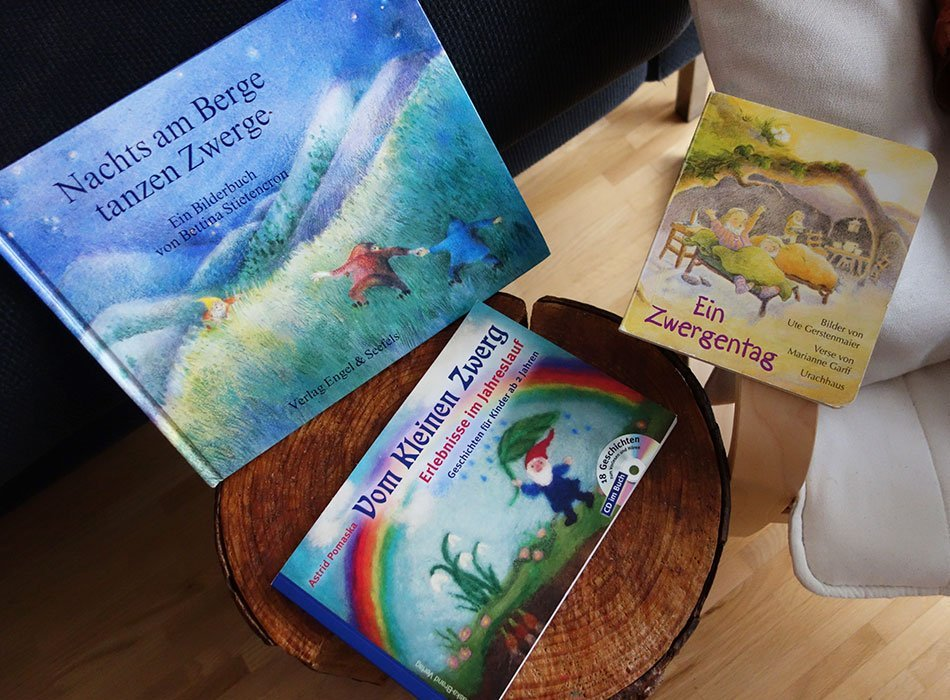 Lieblingsbücher, kinder, kleinkind, vorlesen, weihnachten, geschnek, junge, waldorf, bagger, zwerge, tiere, einschlafen, buch,