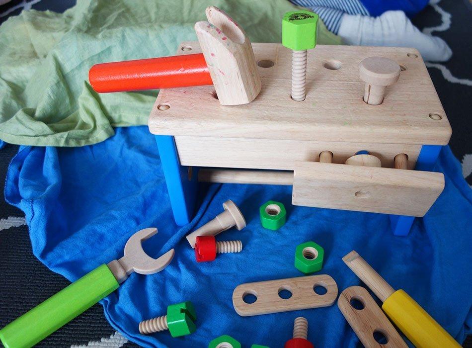 top 11 holzspielzeug f r babys und kleinkinder unsere. Black Bedroom Furniture Sets. Home Design Ideas