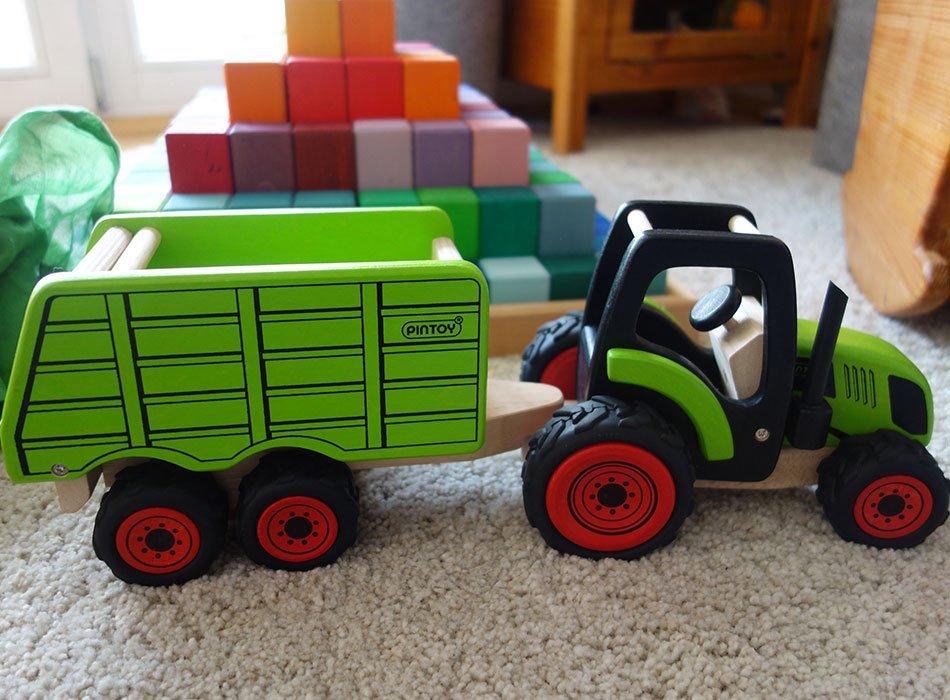 ekulele, holzspielzeug, mamablog, favoriten, traktor, anhänger