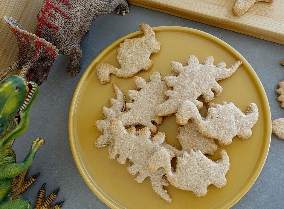 schnelles rezept f r kekse ohne zucker vegane dino kekse. Black Bedroom Furniture Sets. Home Design Ideas