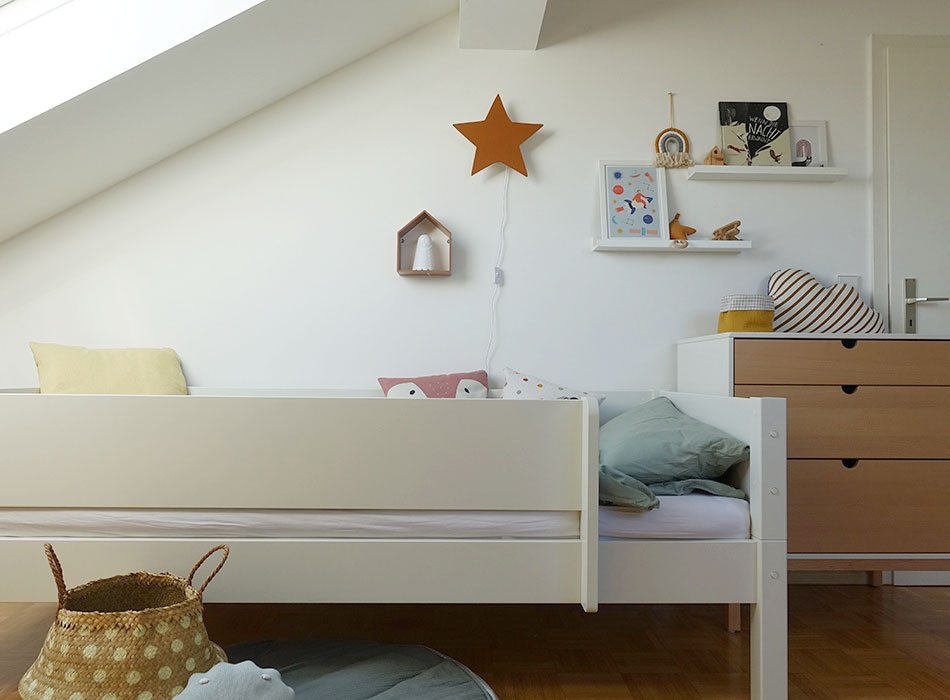 Bett mit Rausfallschutz