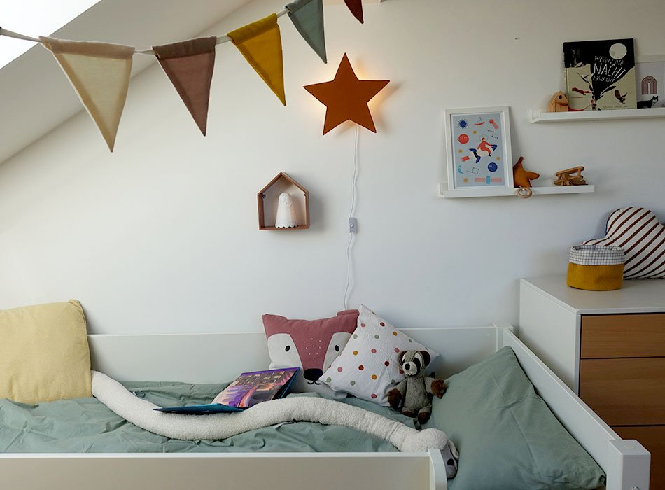 Schön dekoriertes Kinderzimmer