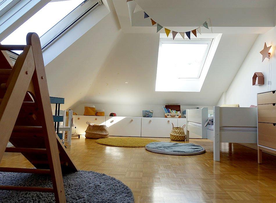 Stauraum Kinderzimmer unterm Dach
