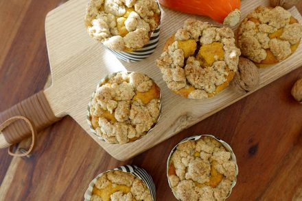 vegane Kürbis-Muffins mit Nusstreusel